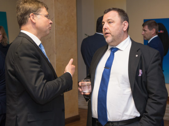 Euroopa Komisjoni asepresident Valdis Dombrovskis ja majanduskomisjoni esimees Sven Sester