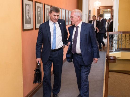 Euroopa Komisjoni digivolinik Andrus Ansip ja Riigikogu esimees Eiki Nestor