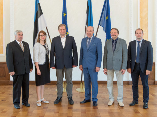 Riigireformi arengusuundade väljatöötamise probleemkomisjoni grupifoto