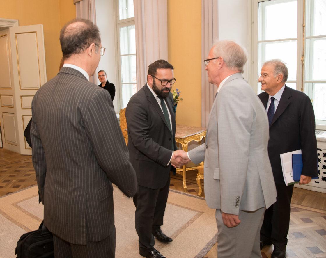 Riigikogu esimees Eiki Nestor kohtus Itaalia parlamendi väliskomisjoni delegatsiooniga