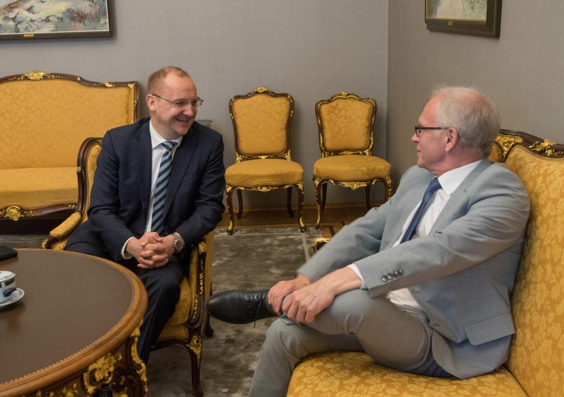 Riigikogu esimees Eiki Nestor kohtus Läti suursaadiku Raimonds Jansonsiga