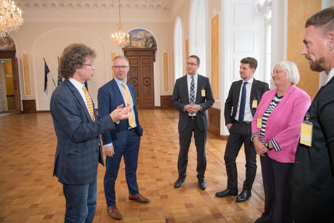 Riigikaitsekomisjoni esimees Hannes Hanso kohtus Saksamaa ja Austria vanemametnike delegatsiooniga