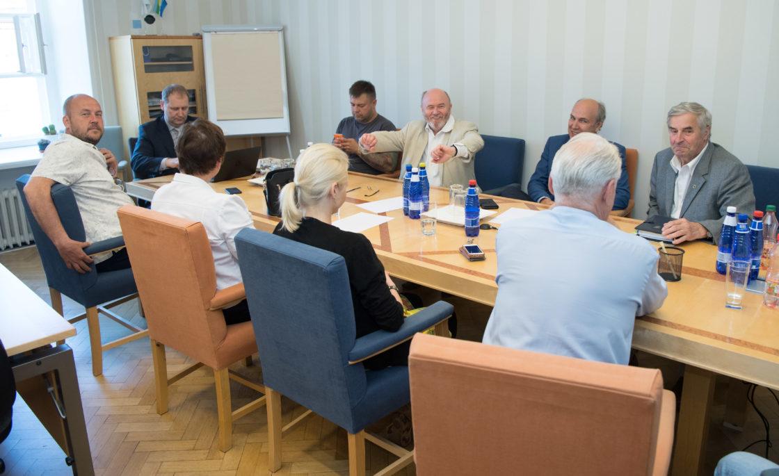 Maaelukomisjoni esimehe ja aseesimehe erakorraline valimine
