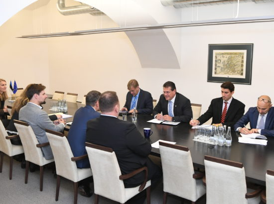 Euroopa Liidu asjade komisjoni esimees Toomas Vitsut ja majanduskomisjoni esimees Sven Sester kohtusid energeetikavolinik Maroš Šefčovičiga