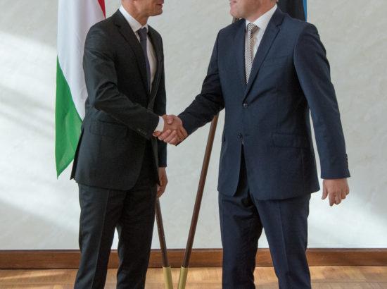 Riigikogu aseesimees Enn Eesmaa ja väliskomisjoni esimees Marko Mihkelson kohtusid Ungari välisministri Péter Szijjártó ja teda saatva delegatsiooniga