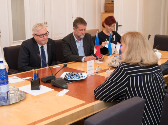 Sotsiaalkomisjon kohtus Tšehhi Senati delegatsiooniga