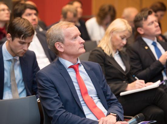 """Konverents """"Teadus kui Eesti arengumootor (IV). Targalt riiki juhtides"""" Riigikogu konverentsisaalis"""