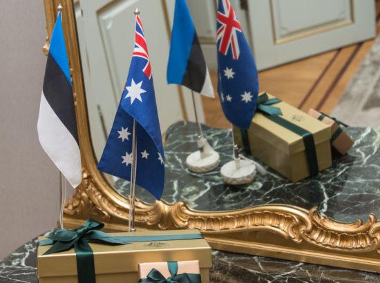 Riigikogu esimees Eiki Nestor kohtus Austraalia parlamendi Esindajatekoja esimehe Tony Smithiga. Väliskomisjoni aseesimees Keit Pentus-Rosimannus kohtus samuti Austraalia parlamendi Esindajatekoja esimehe Tony Smithiga.