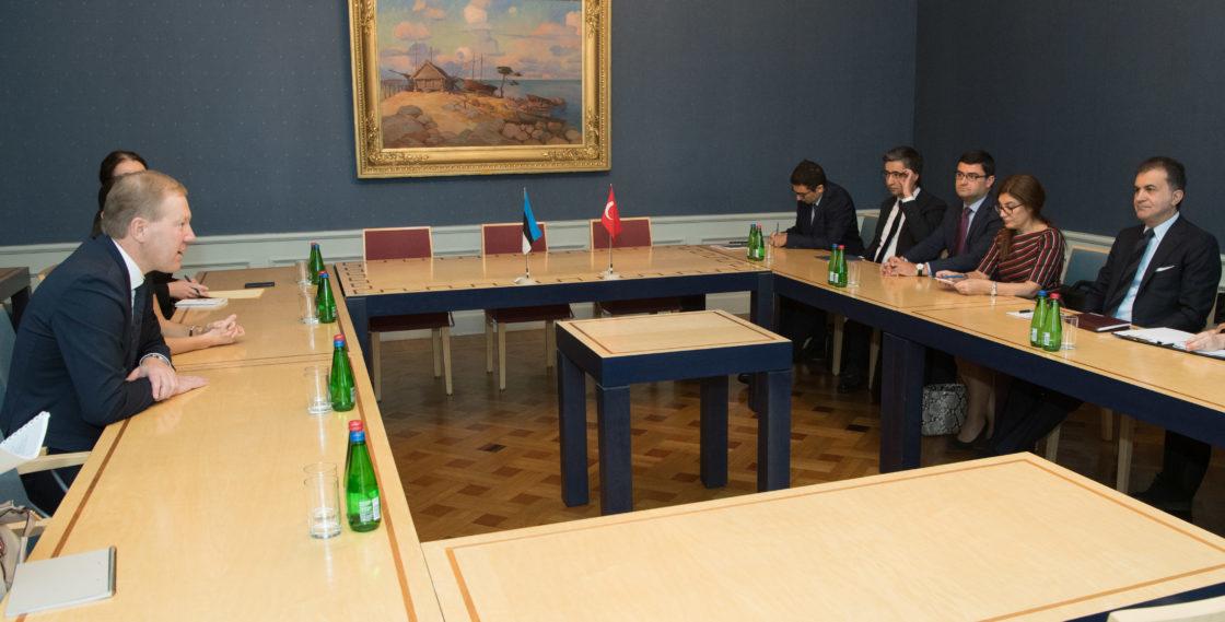 Väliskomisjon kohtus Türgi Euroopa Liidu asjade ministri Ömer Çelikiga