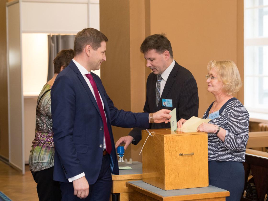 Riigikogu aseesimeeste erakorralised valimised