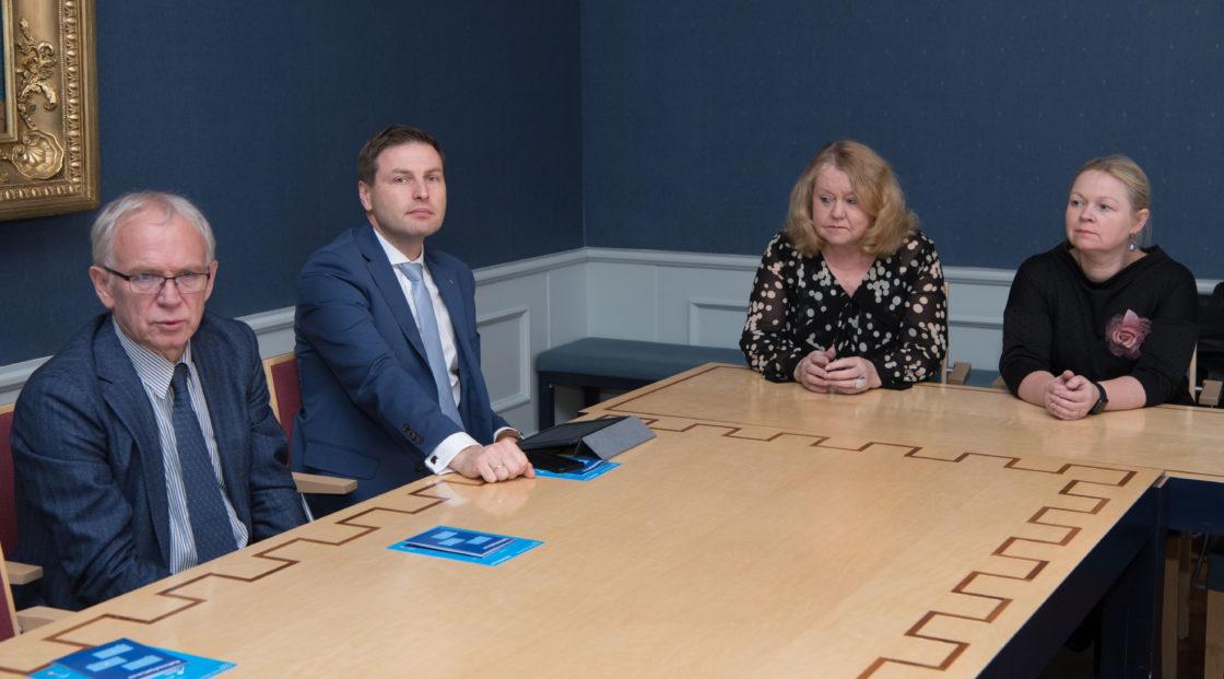 Riigikogu juhatus kohtus Eesti Koostöö Kogu rahvaalgatusveebi meeskonnaga