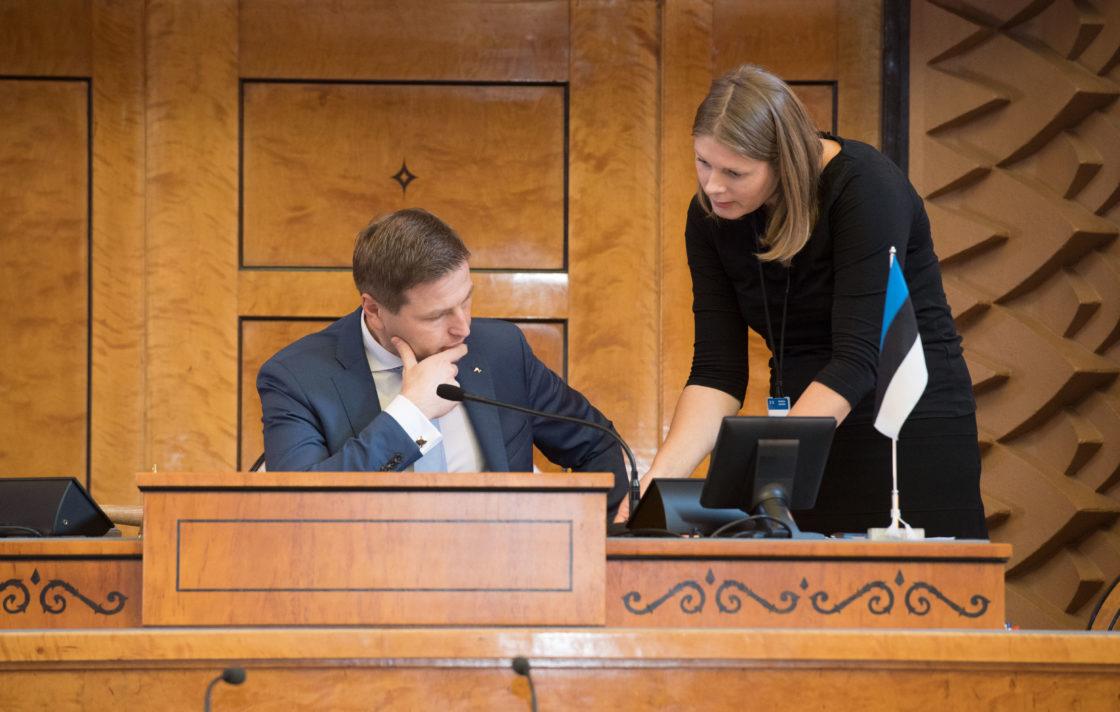 Riigikogu aseesimees Hanno Pevkur Riigikogu istungisaalis