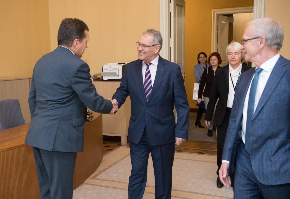 Riigikogu esimees Eiki Nestor kohtus Austria parlamendi ülemkoja presidendi Edgar Mayeriga