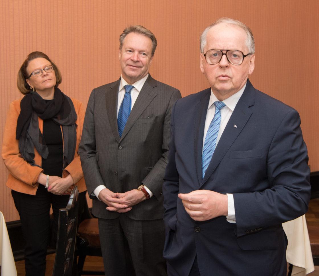 Riigikogu aseesimees Enn Eesmaa kohtus Eduskunna kaitsekomisjoniga
