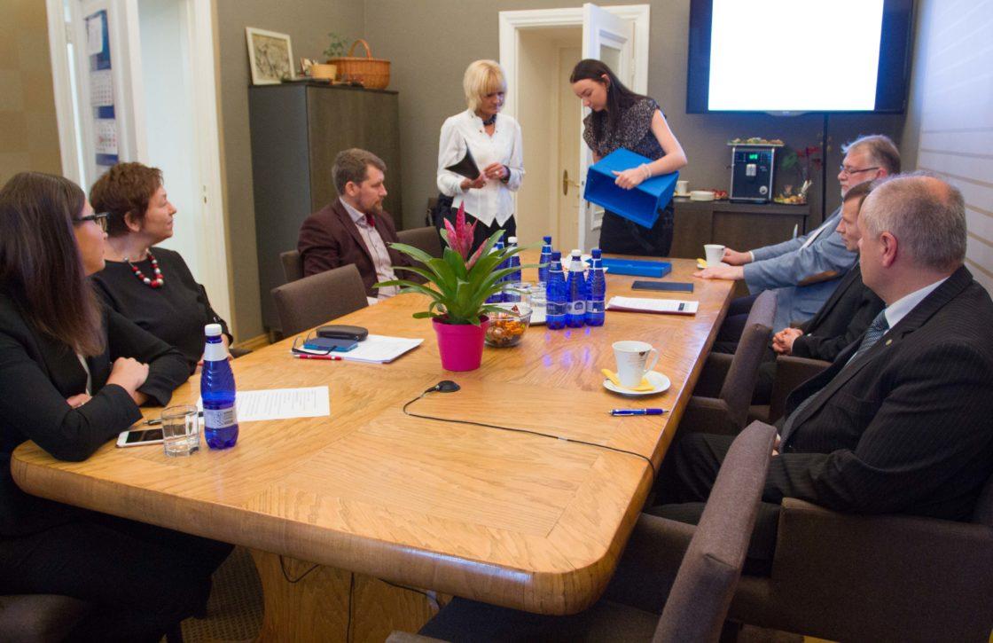 Riigieelarve kontrolli erikomisjoni esimehe ja aseesimehe valimised