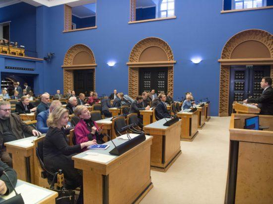 Täiskogu istung, ülevaade Vabariigi Valitsuse tegevusest Euroopa Liidu poliitika teostamisel