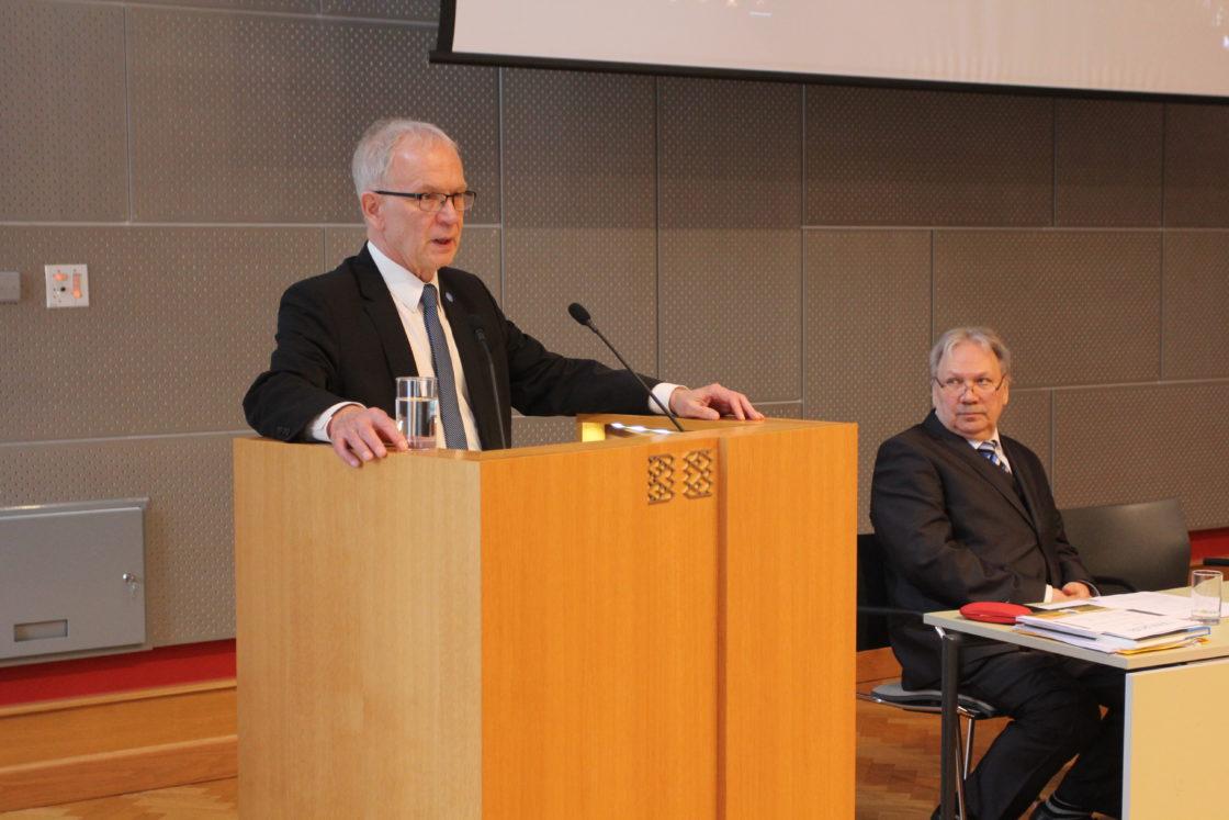 Foorumi avasõnad ütles Riigikogu esimees Eiki Nestor