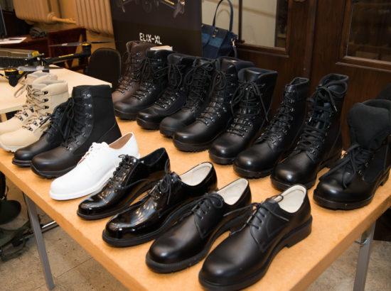 Kaitsetööstusettevõtete toodete väljapaneku avamine