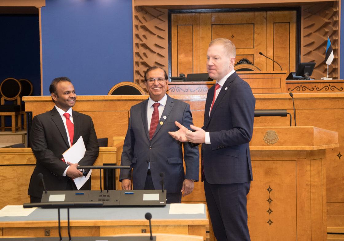 Väliskomisjoni esimees Marko Mihkelson kohtus Araabia Ühendemiraatide suursaadiku Sultan Rashid AlKaitoobi juhitava Dubai Expo 2020 kõrgetasemelise delegatsiooniga