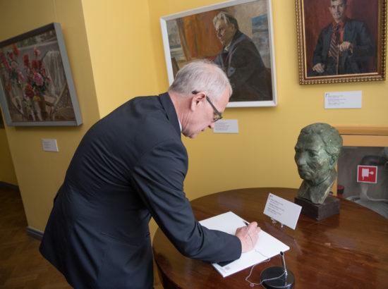 """Kunstnik Viktor Leškinile pühendatud näituse """"Igavesed on muutused"""" avamine"""