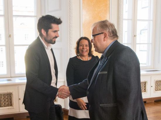 Kultuurikomisjon kohtus Rheinland-Pfalzi liidumaa parlamendi asepresidendi Astrid Schmitti, hariduse valdkonna riigisekretäri Hans Beckmanni ja liidumaa parlamendi hariduskomisjoniga