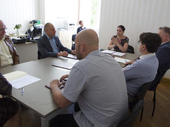 Korruptsioonivastase erikomisjoni esimehe ja aseesimehe erakorraline valimine