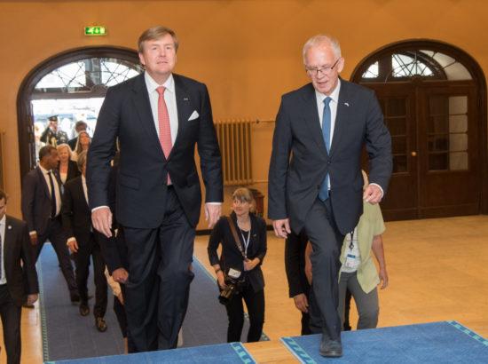 Riigikogu esimees Eiki Nestor, väliskomisjoni esimees Marko Mihkelson ja Eesti-Hollandi parlamendirühma esimees Martin Repinski kohtusid Hollandi kuninga Willem-Alexanderiga