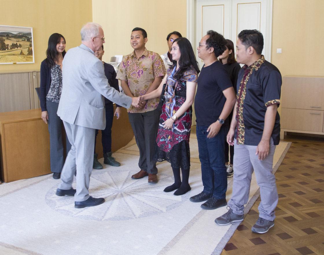 Riigikogu esimees Eiki Nestor kohtus Välisministeeriumi ja Tallinna Ülikooli tutvustusprogrammi raames välisajakirjanikega Indoneesiast ja Filipiinidelt