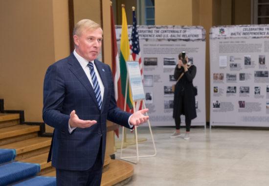 """Näituse """"Tähistades Balti riikide iseseisvuse sajandat juubelit ja USA – Balti suhteid"""" avamine"""