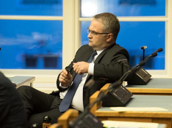 Täiskogu istung, riigikontrolör Janar Holmi ülevaade riigi vara kasutamisest ja säilimisestTäiskogu istung, riigikontrolör Janar Holmi ülevaade riigi vara kasutamisest ja säilimisest 2017.–2018. aastal