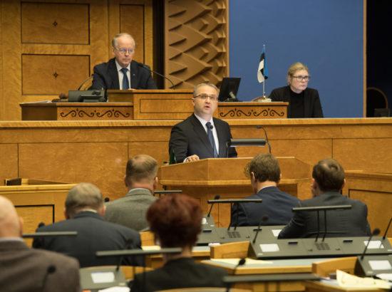 Täiskogu istung, riigikontrolör Janar Holmi ülevaade riigi vara kasutamisest ja säilimisest 2017.–2018. aastal