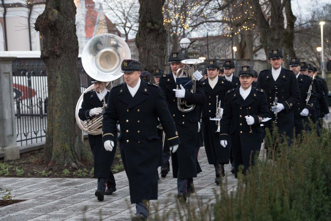 Piduliku lipuheiskamise tseremooniaga tähistati 100 aasta möödumist sinimustvalge lipu heiskamisest riigilipuna Pika Hermanni torni
