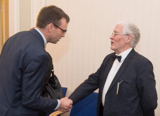 Väliskomisjon kohtus endiste Riigikogu väliskomisjoni esimeeste ja aseesimeestega