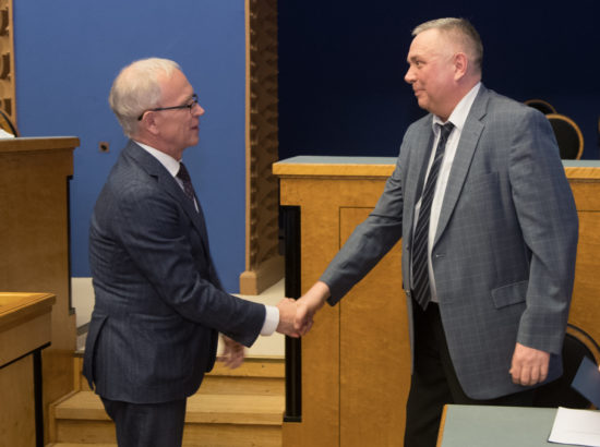 Täiskogu istung, Jüri Saare ametivanne