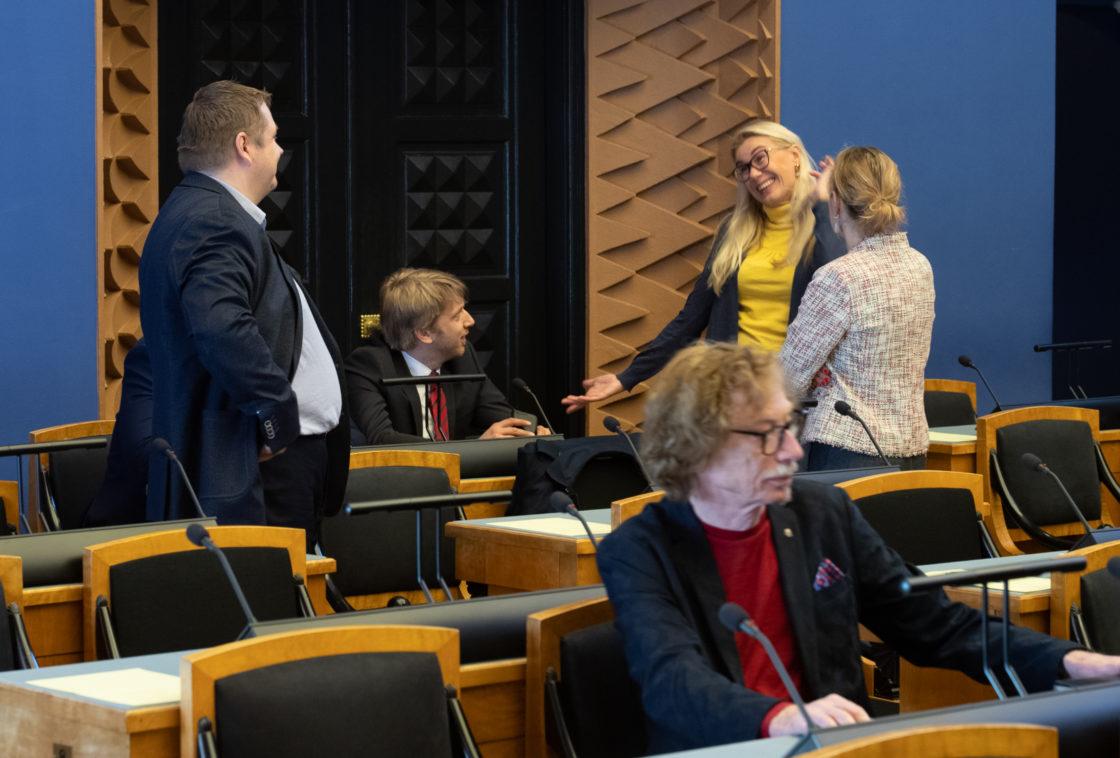 Täiskogu istung, Andrei Korobeiniku ametivanne