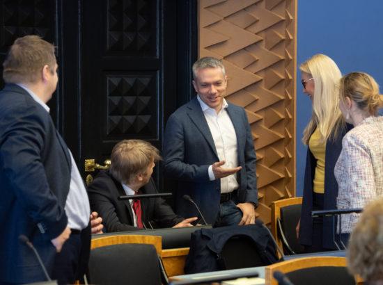 Andrei Korobeinik koos kaaslastega Eesti Keskerakonna fraktsioonist