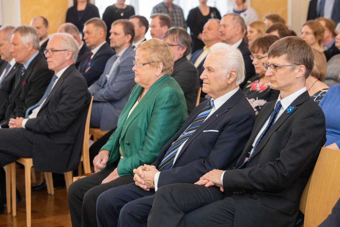 """Ajalooraamatu """"Eesti parlament 1917-1940"""" esitlus Toompea lossi Valges saalis"""