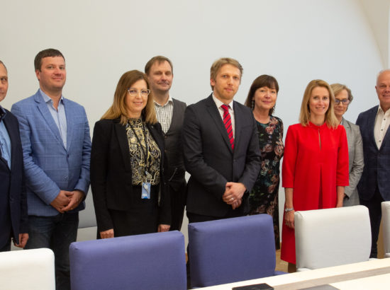 Õiguskomisjoni esimees on Jaanus Karilaid ja aseesimees Toomas Kivimägi. Komisjoni kuuluvad Marek Jürgenson, Kaja Kallas, Uno Kaskpeit, Kert Kingo, Tarmo Kruusimäe, Heljo Pikhof ja Urve Tiidus.