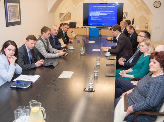 Euroopa Liidu asjade komisjon pidas esimese istungi ja valis juhid