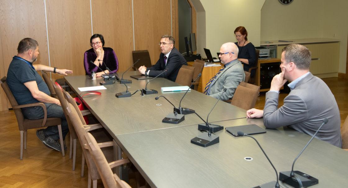 Korruptsioonivastase erikomisjoni esimehe ja aseesimehe valimised