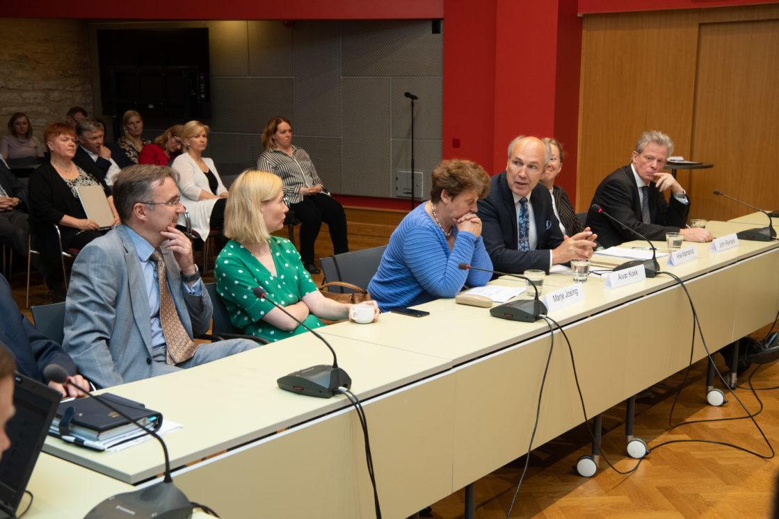 Rahanduskomisjoni ja Eesti Maksumaksjate Liidu ümarlaud salaturust ja aktsiisipoliitikast
