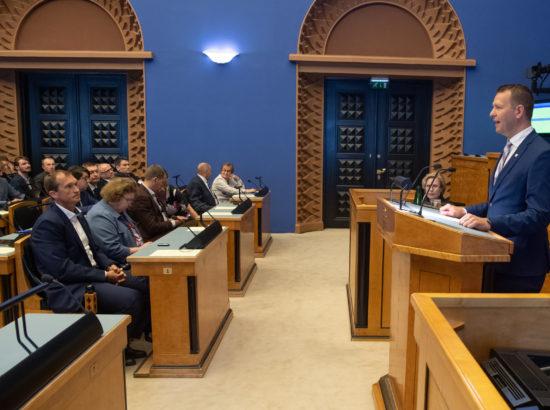 Täiskogu istung, ametivande andsid Riigikogu liikmed Jaak Juske ja Lauri Läänemets