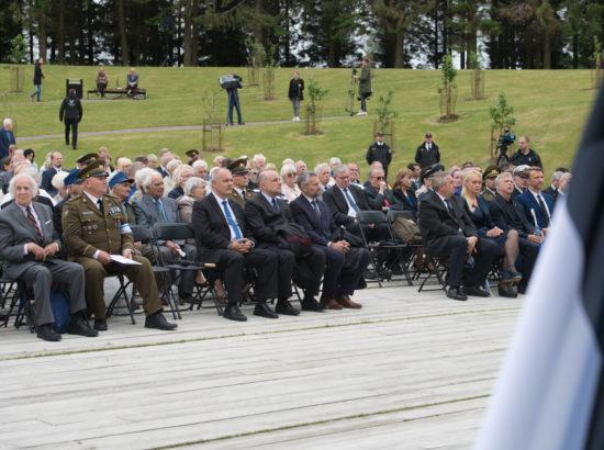 Riigikogu esimees Henn Põlluaas pidas kõne ja asetas pärja Eesti rahva nimel juuniküüditamise mälestustseremoonial