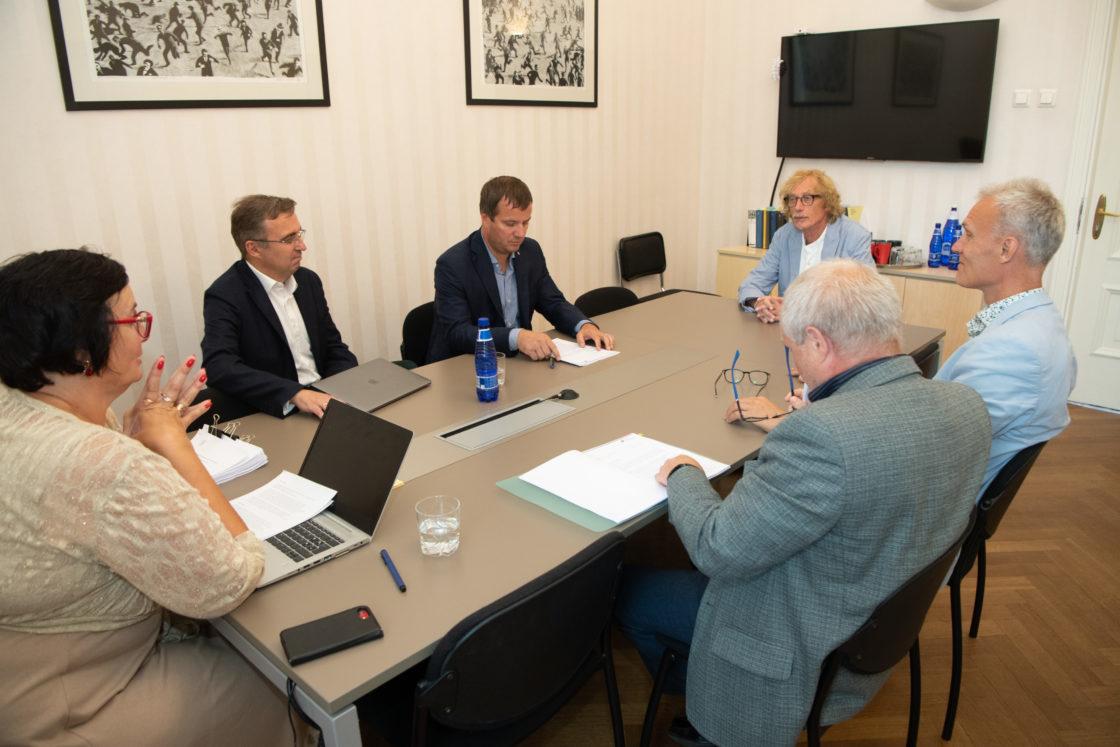Korruptsioonivastase erikomisjoni istung, 19. august 2019