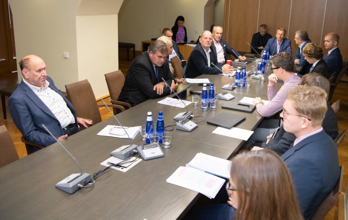 Riigieelarve kontrolli erikomisjoni istung täiskasvanute eesti keele õppe korraldusest