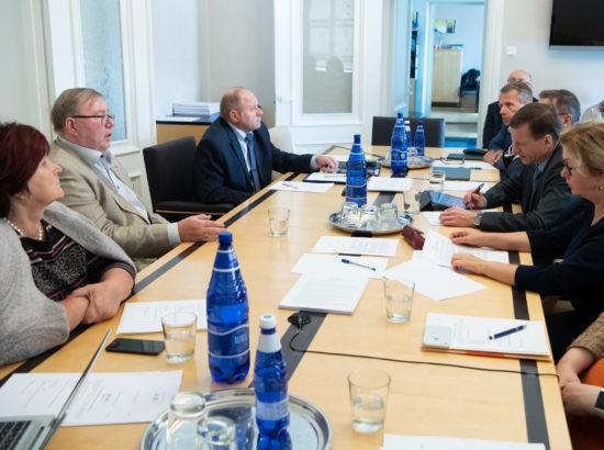 Rahanduskomisjon kuulas ära Eesti Panga Nõukogu esimehe Mart Laari ettepaneku keskpanga nõukogu liikmete nimetamise kohta