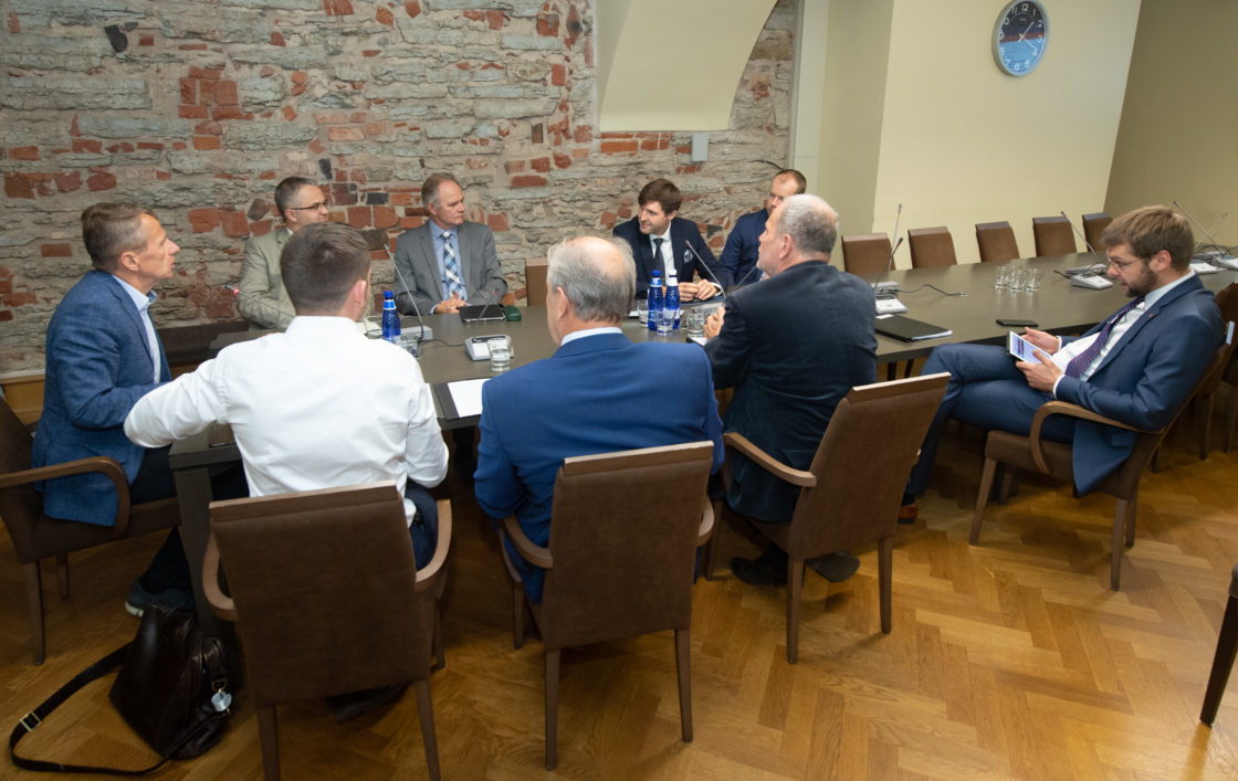Riigieelarve kontrolli erikomisjoni istung PPP rahastuse väljavaadetest taristu arendamisel
