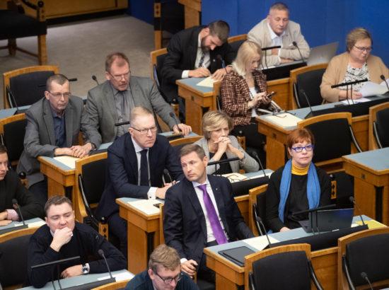 Riigikogu sai ülevaate avaliku teenistuse 2018. aasta aruandest