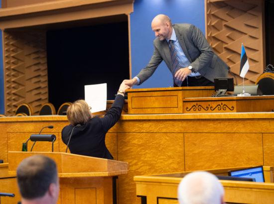 Täiskogu istung, peaministri poliitiline avaldus seoses 2020. aasta riigieelarve seaduse eelnõu üleandmisega