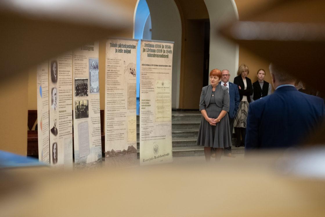 """Näituse """"Maaseadus ja priius"""" avamine"""